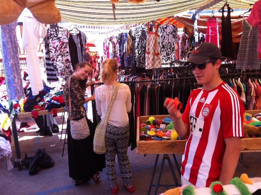 Students can buy memorable and fun souvenirs as well as traditional desserts and fresh juices.
