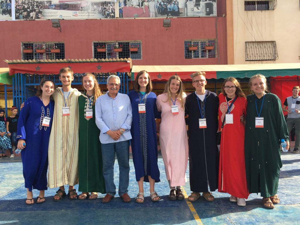 NSLI-Y Morocco 2017-18 group shot with Dana in the center